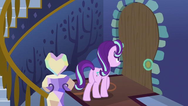 File:Starlight Glimmer returning to the kitchen S6E21.png