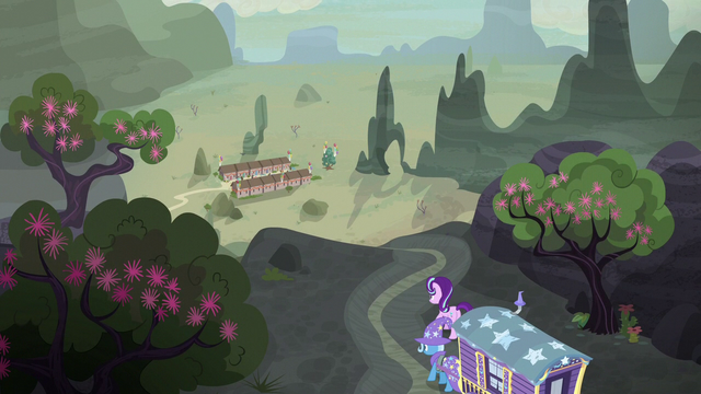 File:Starlight and Trixie approaching Our Town S6E25.png