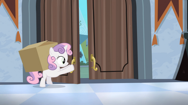 File:Sweetie Belle opening up door S4E19.png