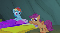 Scootaloo pointing towards Rainbow Dash S3E06