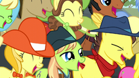 Spectator ponies laughing even harder S5E6