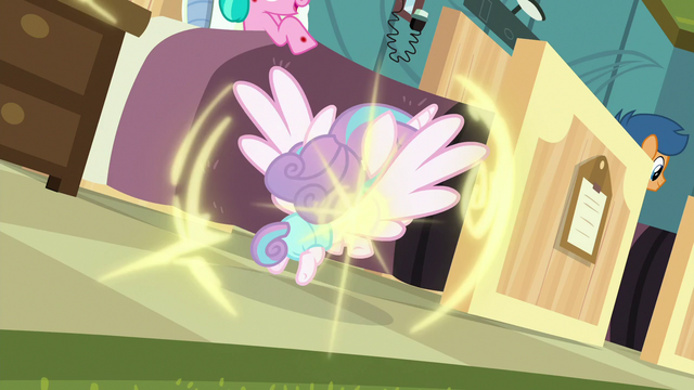 File:Flurry Heart teleports back to foals' room S7E3.png