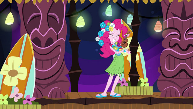 File:Pinkie playing the ukulele EG2.png