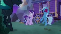 Trixie shrieking with fear S6E25