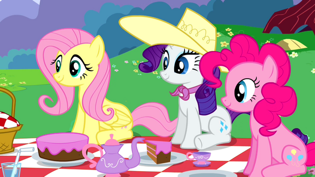 File:Fluttershy Rarity Pinkie Pie listening S2E25.png