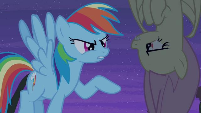 File:Rainbow Dash talks to Flutterbat S4E07.png
