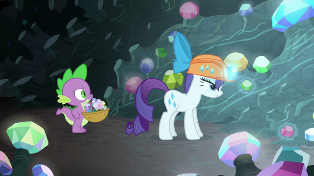 File:Rarity levitating two gems S6E5.png
