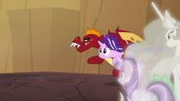 Garble runs toward cliff edge with Starlight S7E1