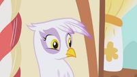 Gilda weirded out S1E05