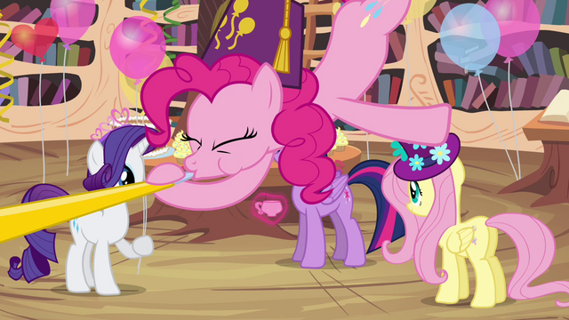File:Pinkie Pie blowing party horn S4E04.png