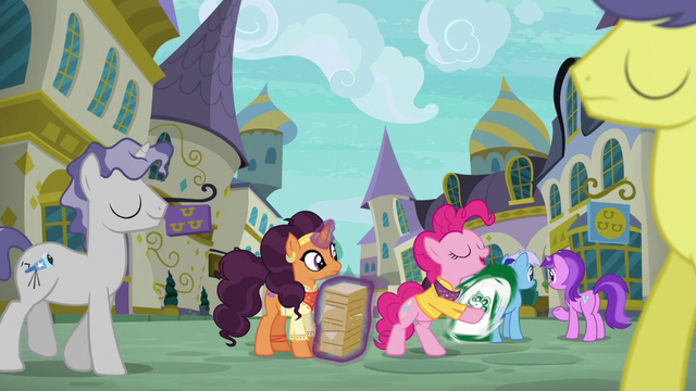File:Pinkie Pie starts sign spinning S6E12.png
