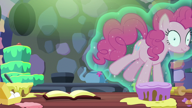 File:Pinkie Pie floating out of the kitchen S6E21.png