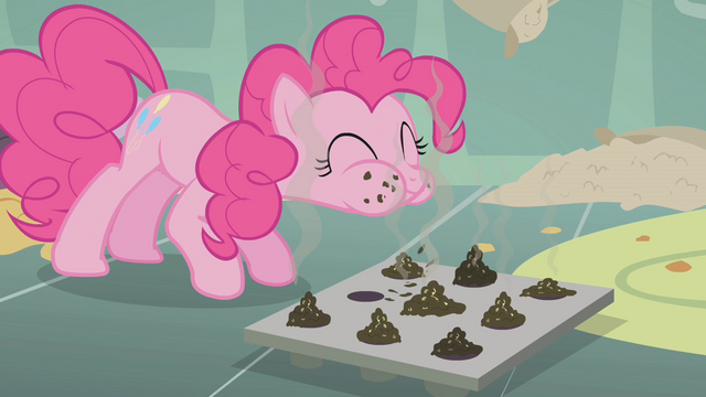 File:Pinkie Pie tasting cupcakes S01E12.png