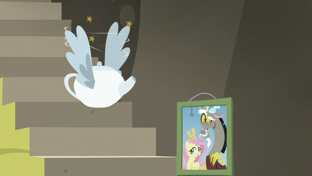 File:Flying teapot flying around dizzily S7E12.png