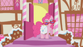 Pinkie Pie Ready for Action S1E7.png
