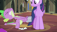 Spike trying to pull bucket off S4E06
