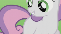 Sweetie Belle looks at her flank S5E18