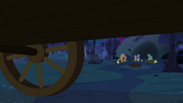 The other ponies on the campsite S3E06