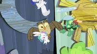 "Owlowiscious accidentally hits the ""moon"" S4E21"