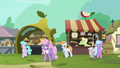 Ponies walk away from Granny and Grand Pear's arguing S7E13.png