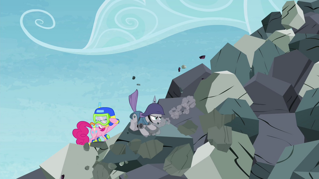 File:Maud Pie saves Pinkie S4E18.png