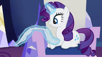 Rarity polishing her throne EG2
