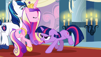 Twilight confronts Princess Cadance S2E25