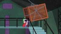 Spike pushing box S4E06