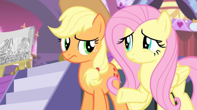 File:Applejack and Fluttershy confused S4E13.png
