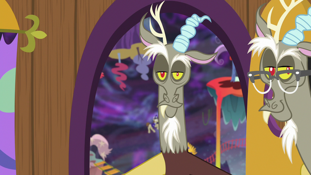 File:Discord 2 opens the door for Discord 3 S7E12.png