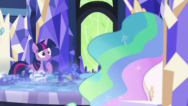 File:Twilight's eyes widen with shock S7E1.png