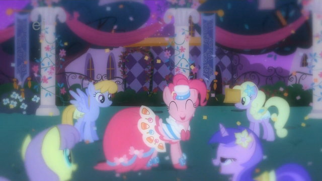 File:Pinkie Pie 'I am the best at parties' S1E26.png