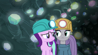 Starlight and Maud standing uncomfortably close