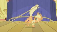 Applejack lasso stage S1E06.png