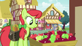 Peachy Sweet shopping for apples S7E15.png