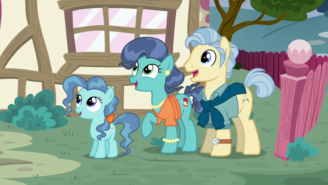 File:Petunia Paleo and her parents S6E19.png