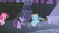 Twilight telling RD to be careful S1E02