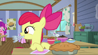 Apple Bloom looking for somepony to eat with her S6E4