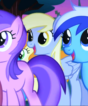File:Derpy watching the play S1E23.png