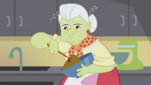Granny Smith folding cookie batter EG2.png