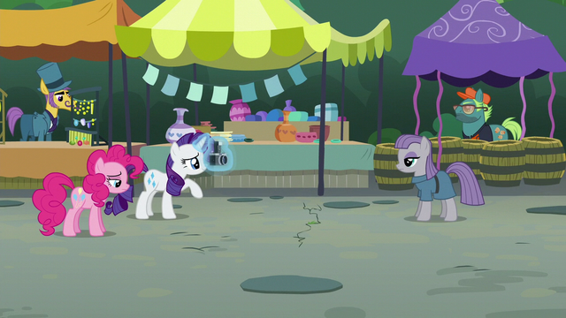 File:Maud Pie backs up even further S6E3.png