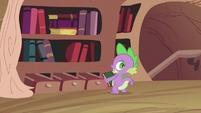 Spike with calendar S2E03