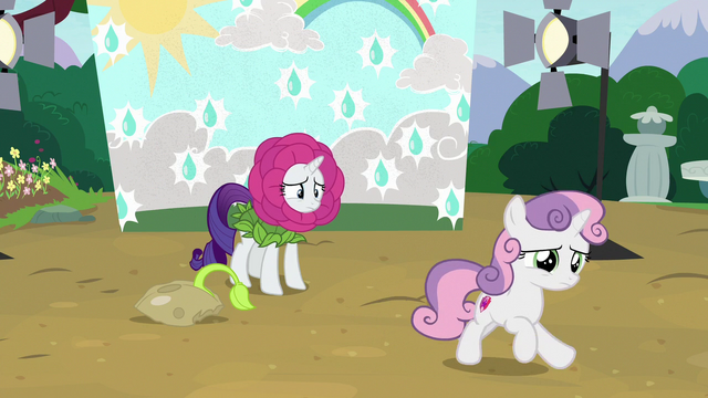 File:Sweetie Belle runs away from Rarity S7E6.png