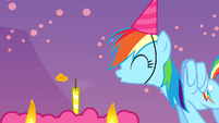 Rainbow blowing a candle S4E12