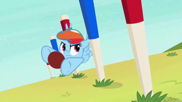File:Rainbow swerving around obstacle pegs S6E18.png