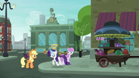 Rarity trotting up to Applejack S5E16