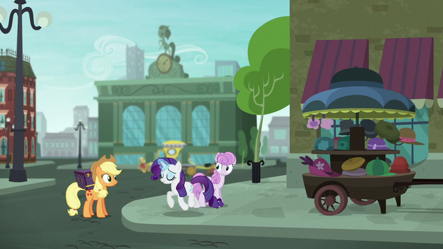 File:Rarity trotting up to Applejack S5E16.png