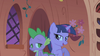 Twilight and Spike in the dark library S1E03