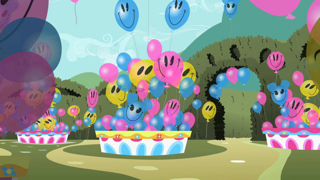File:Smiling balloons S2E01.png