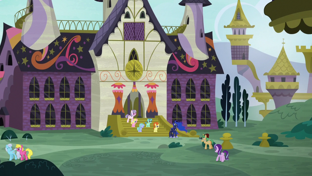 File:Princess Luna at the School for Gifted Unicorns S7E10.png